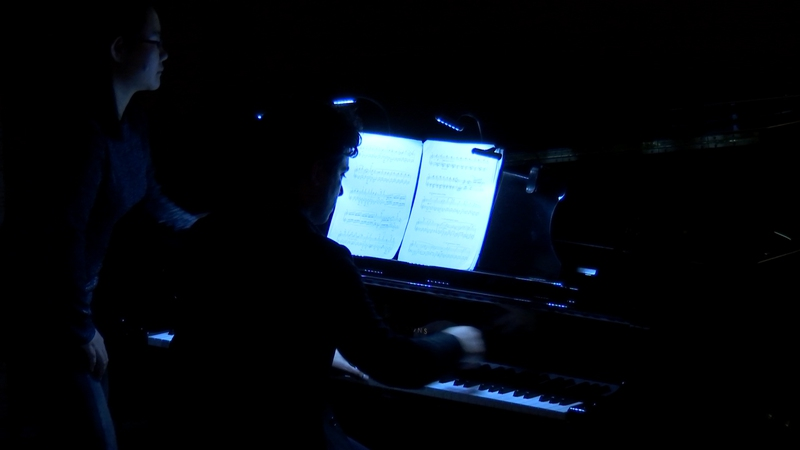 "Zubin Kanga performing ""Flapjack"""